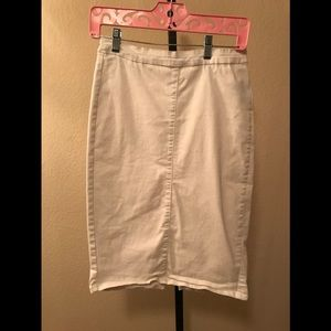 White pencil skirt size L